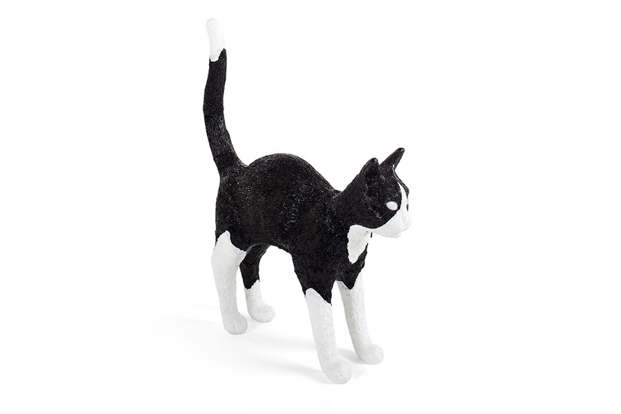 Bastida-Seletti-Iluminacion-Jobby-The-Cat-Black-White-1